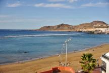 Playa Dorada Aparthotel rooms with ocean-views at Canteras beach Las Palmas