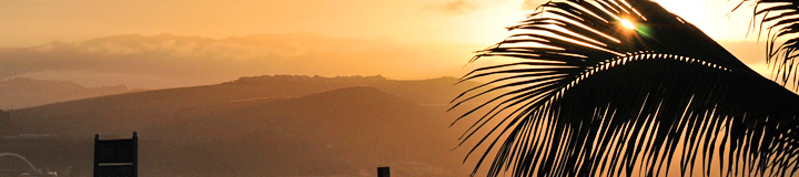 enkoy your Gran Canaria vacations with a sundown at Playa Canteras beach resort Las Palmas