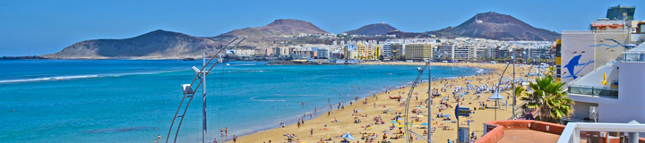 view from north west to Playa Dorada Apartments Las Palmas Canteras beach